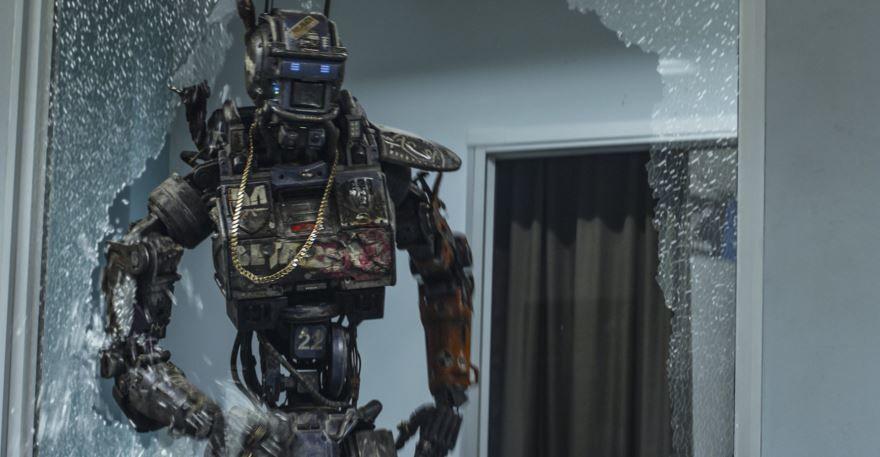 Смотреть бесплатно постеры и кадры к фильму Робот по имени Чаппи онлайн