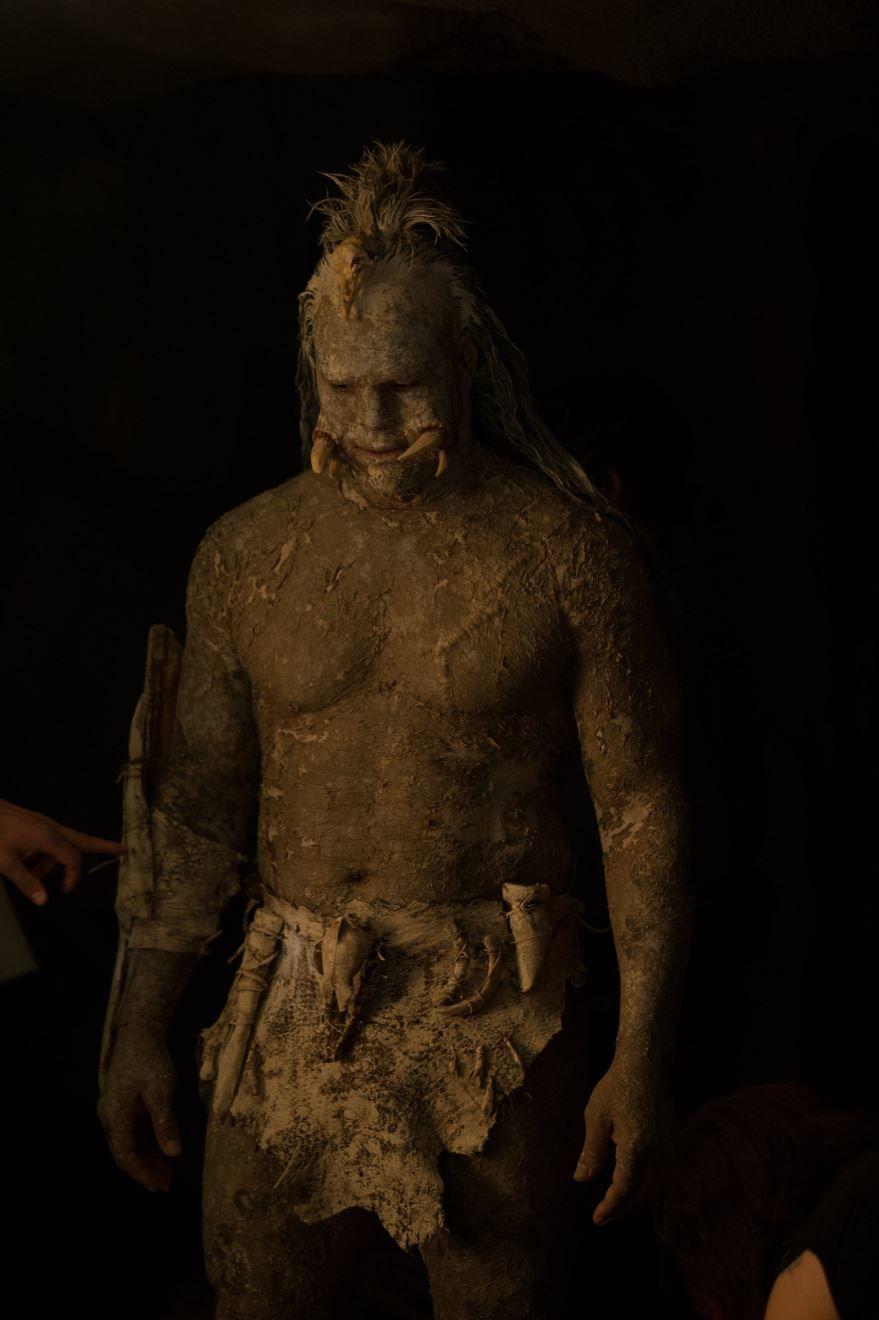 Смотреть бесплатно постеры и кадры к фильму Костяной томагавк онлайн