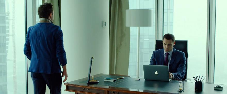 Смотреть бесплатно постеры и кадры к фильму Бармен онлайн