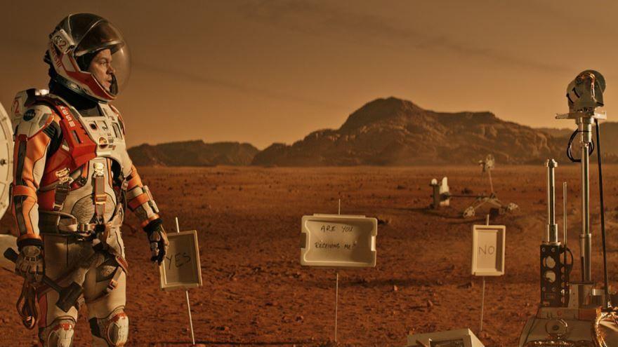 Смотреть бесплатно постеры и кадры к фильму Марсианин онлайн