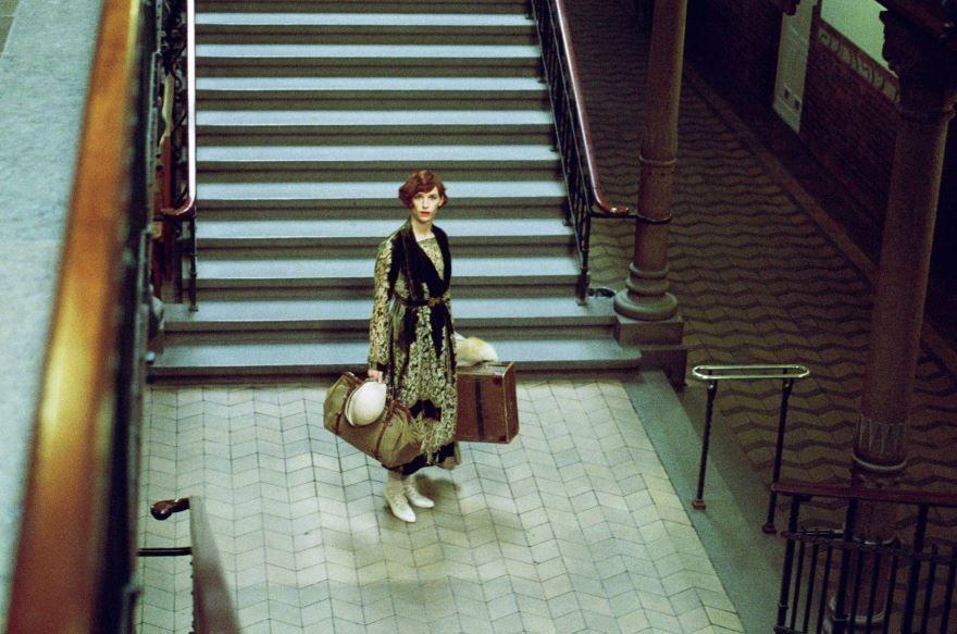 Смотреть бесплатно постеры и кадры к фильму Девушка из Дании онлайн