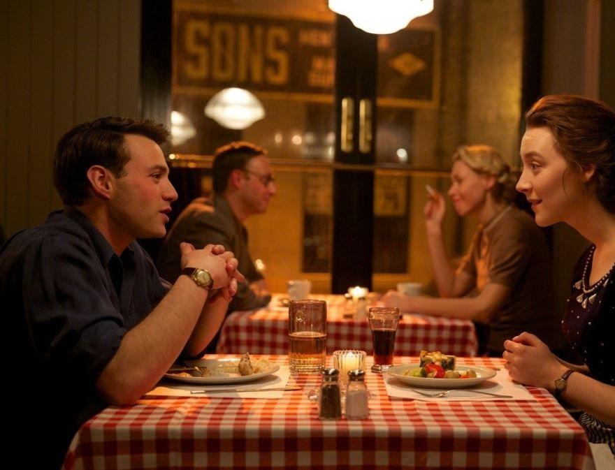 Смотреть бесплатно постеры и кадры к фильму Бруклин онлайн