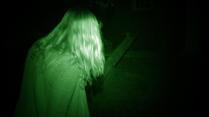 Лучшие картинки и фото фильма Паранормальное явление 5: Призраки в 3D 2015 в хорошем качестве