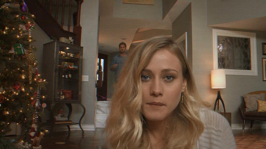 Смотреть бесплатно постеры и кадры к фильму Паранормальное явление 5: Призраки в 3D онлайн