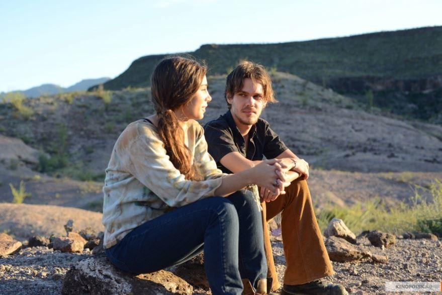 Смотреть онлайн кадры и постеры к фильму Отрочество бесплатно