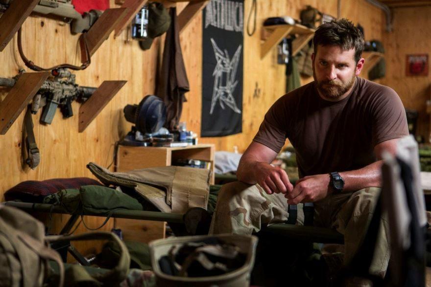 Смотреть онлайн кадры и постеры к фильму Снайпер бесплатно