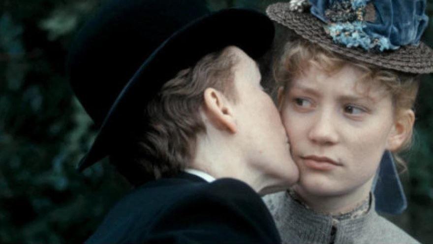 Красивые картинки и фото к фильму Госпожа Бовари 2014 в hd качестве онлайн