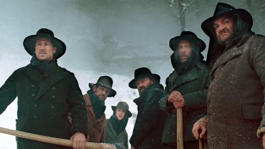 Смотреть онлайн кадры и постеры к фильму Темная долина бесплатно