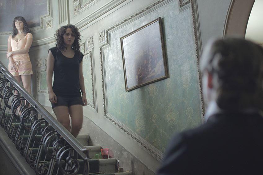 Смотреть онлайн кадры и постеры к фильму Темнее ночи бесплатно