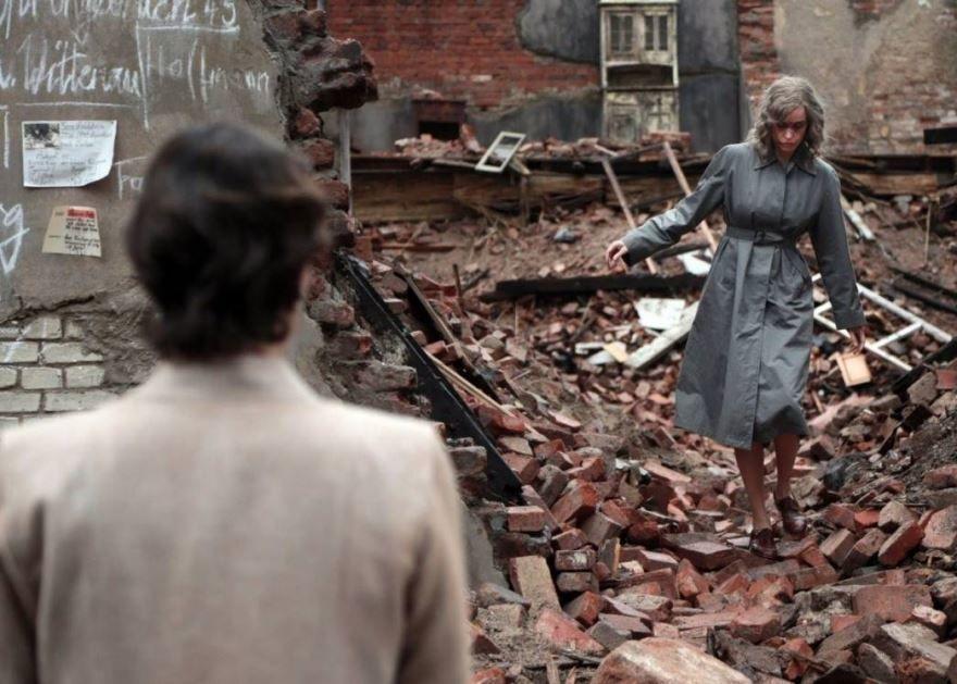 Смотреть онлайн кадры и постеры к фильму Феникс бесплатно
