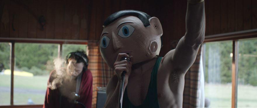 Смотреть онлайн кадры и постеры к фильму Фрэнк бесплатно