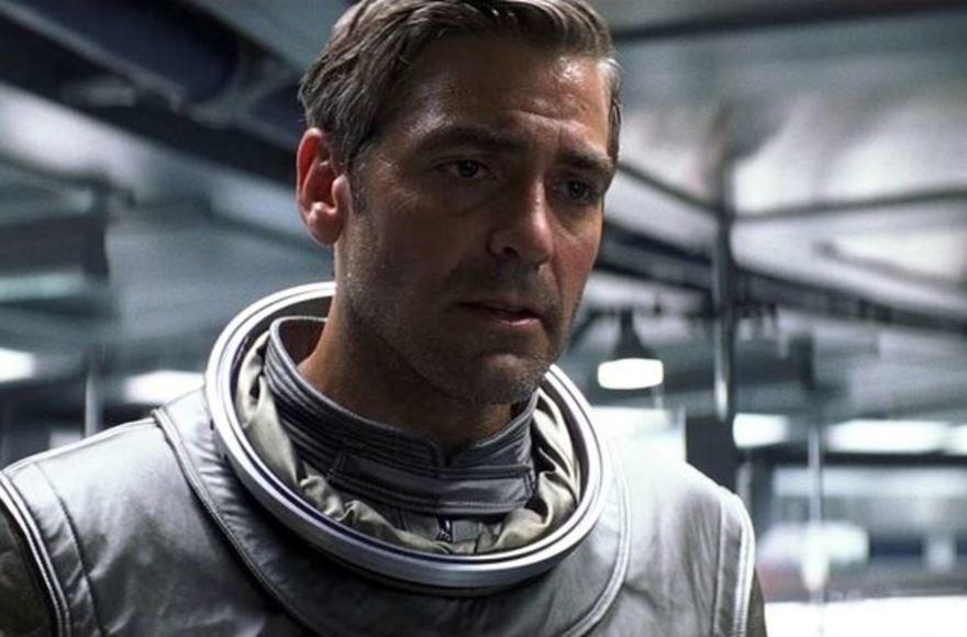 Смотреть онлайн кадры и постеры к фильму 2013 года Гравитация бесплатно