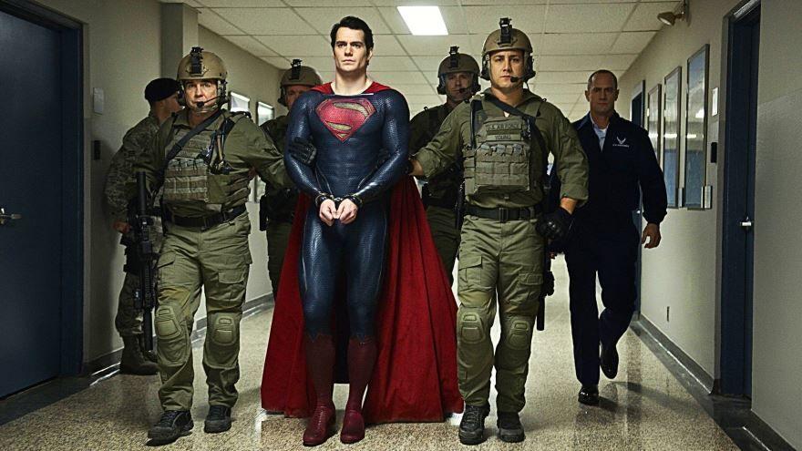 Смотреть онлайн кадры и постеры к фильму 2013 года Человек из стали бесплатно