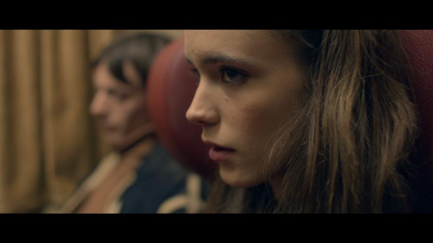 Смотреть онлайн кадры и постеры к фильму Нимфоманка: Часть 1 бесплатно