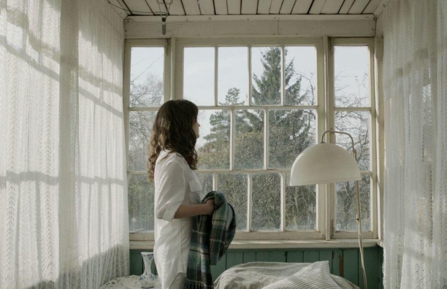 Смотреть онлайн кадры и постеры к фильму Привычка расставаться бесплатно
