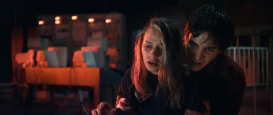 Смотреть онлайн кадры и постеры к фильму Проклятое место бесплатно