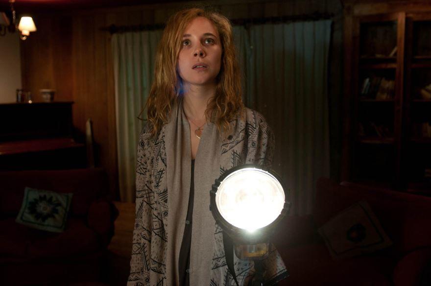 Смотреть онлайн кадры и постеры к фильму Практическая магия бесплатно