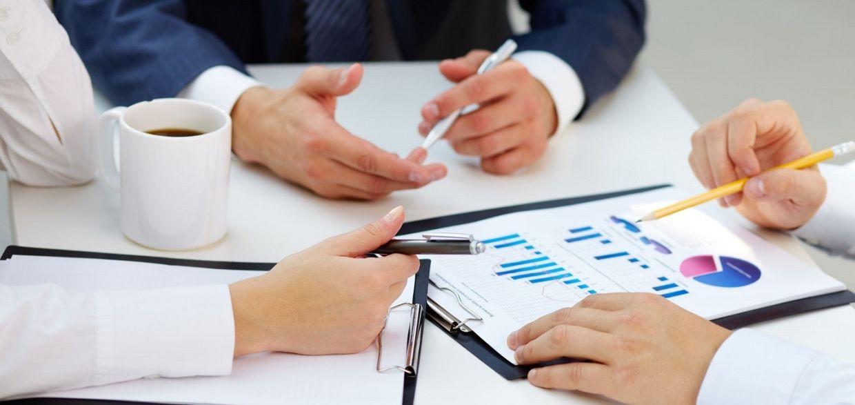 финансовые уроки экономика психология победитель аукциона дальновидность внешние факторы принятие решения