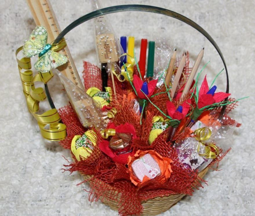 Конфетный букет на день учителя, доставка цветов