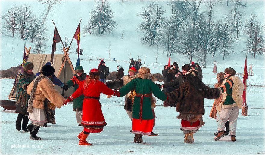 Русской народ празднует