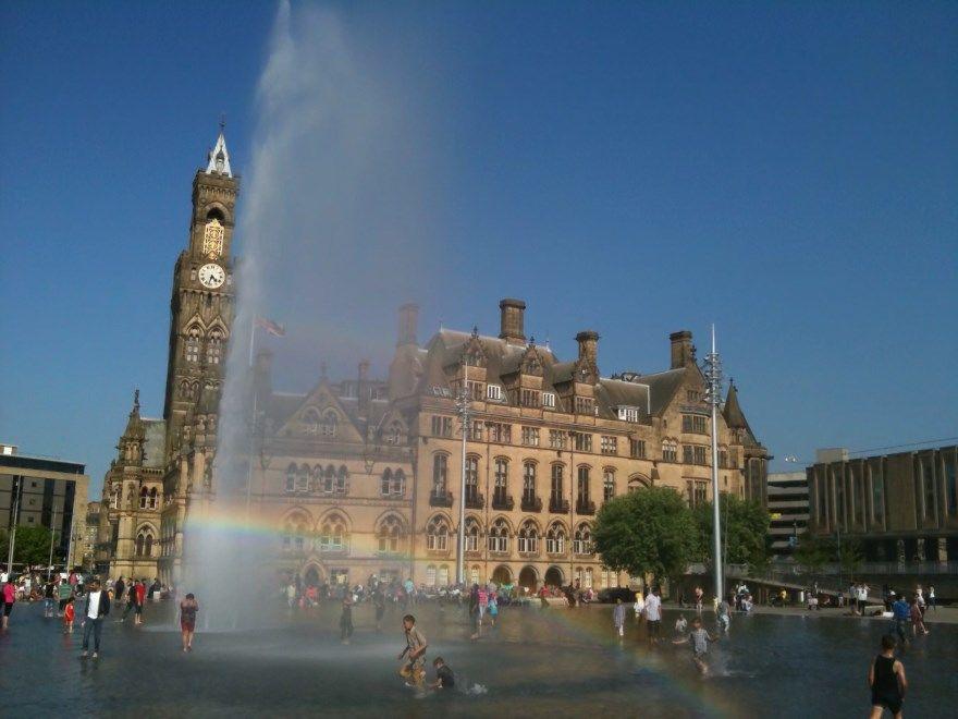 Смотреть фото города Брэдфорд 2020. Скачать бесплатно лучшие фото города Брэдфорд Великобритания онлайн с нашего сайта.