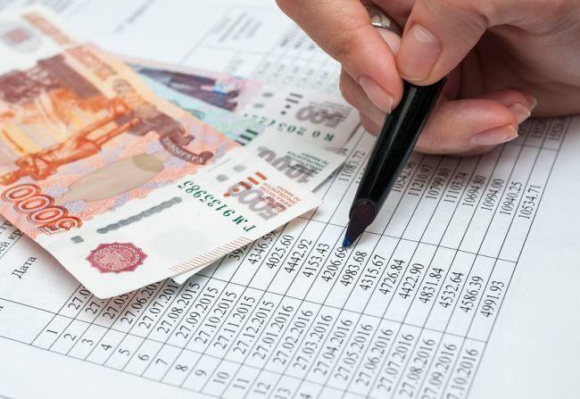 Досрочно выплачивать долги или откладывать деньги: что важнее
