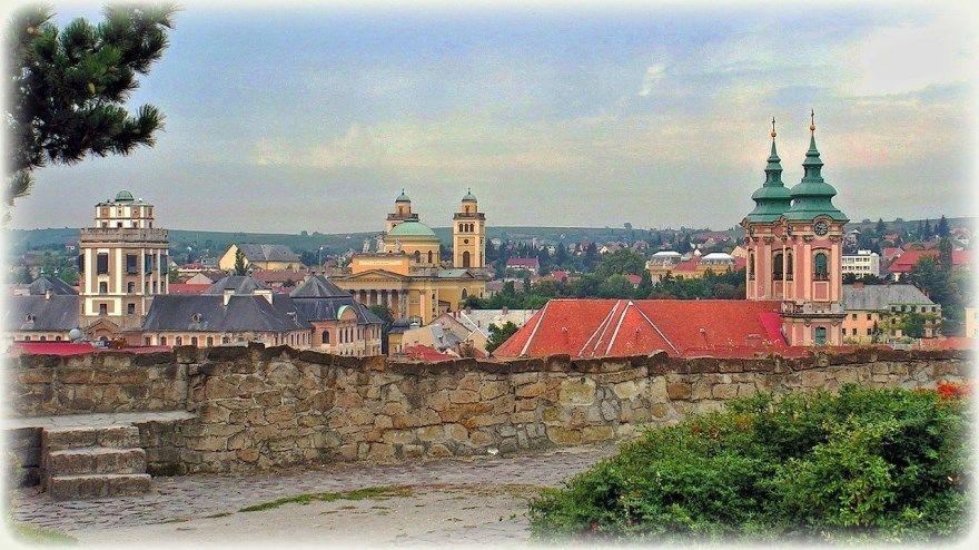 Смотреть фото города Эгер Венгрия 2020. Скачать бесплатно лучшие фото города Эгер Венгрия онлайн с нашего сайта.