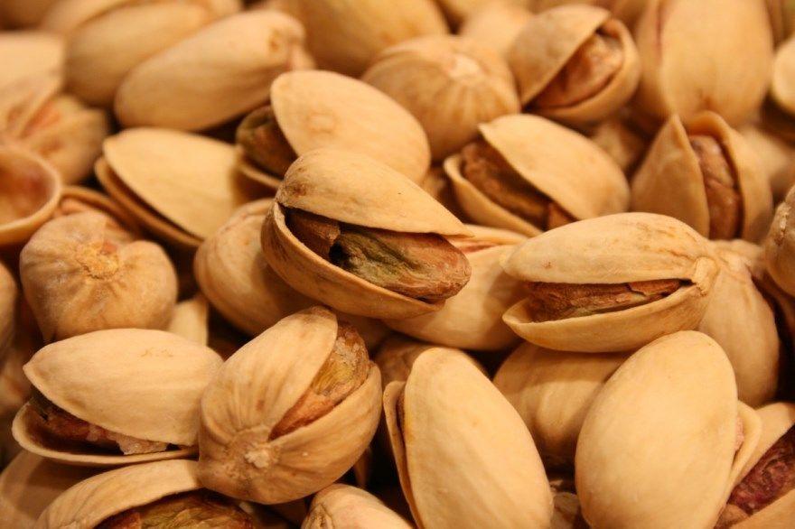 Фисташки купить польза вред как растут цена цвет малина сколько соленые скорлупа кухня чем полезны дерево калорийность настоящая хочу для организма