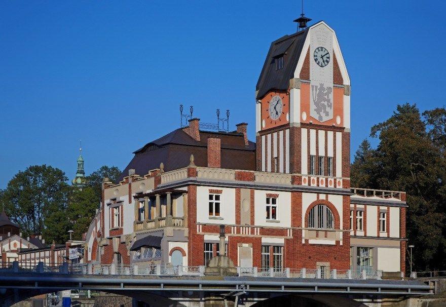 Смотреть фото города Градец-Кралове 2020. Скачать бесплатно лучшие фото города Градец-Кралове Чехия онлайн с нашего сайта.