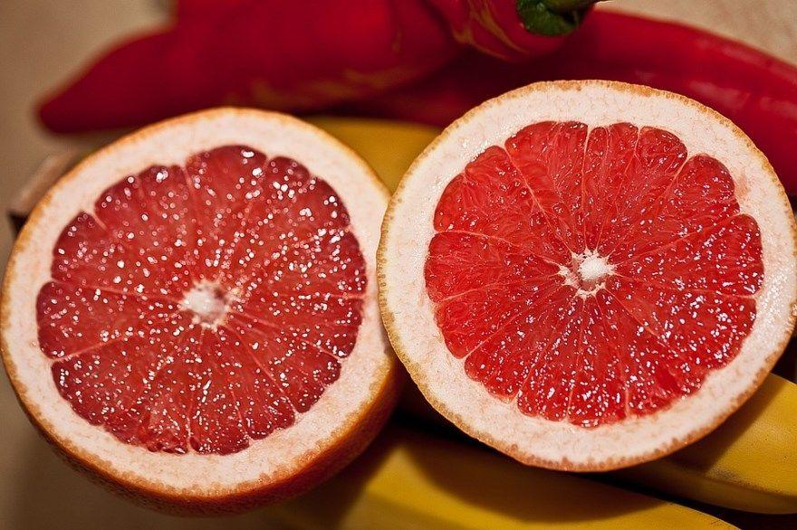 Грейпфрут польза вред похудения отзывы полезен чем масло сколько купить фрукт яйца сок хугарден зеленый фото лимон диета есть ли апельсин свойства как едят красный балтика розовый белый