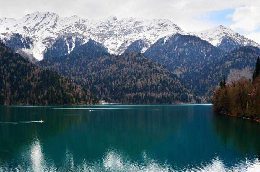 Озеро Рица 2019 фото Абхазия скачать бесплатно онлайн в хорошем качестве