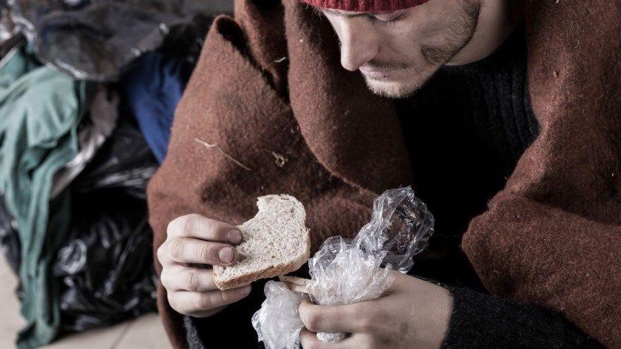 бедность неправильные ошибочные решения нехватка денег неправильное питание коэффициент интеллекта