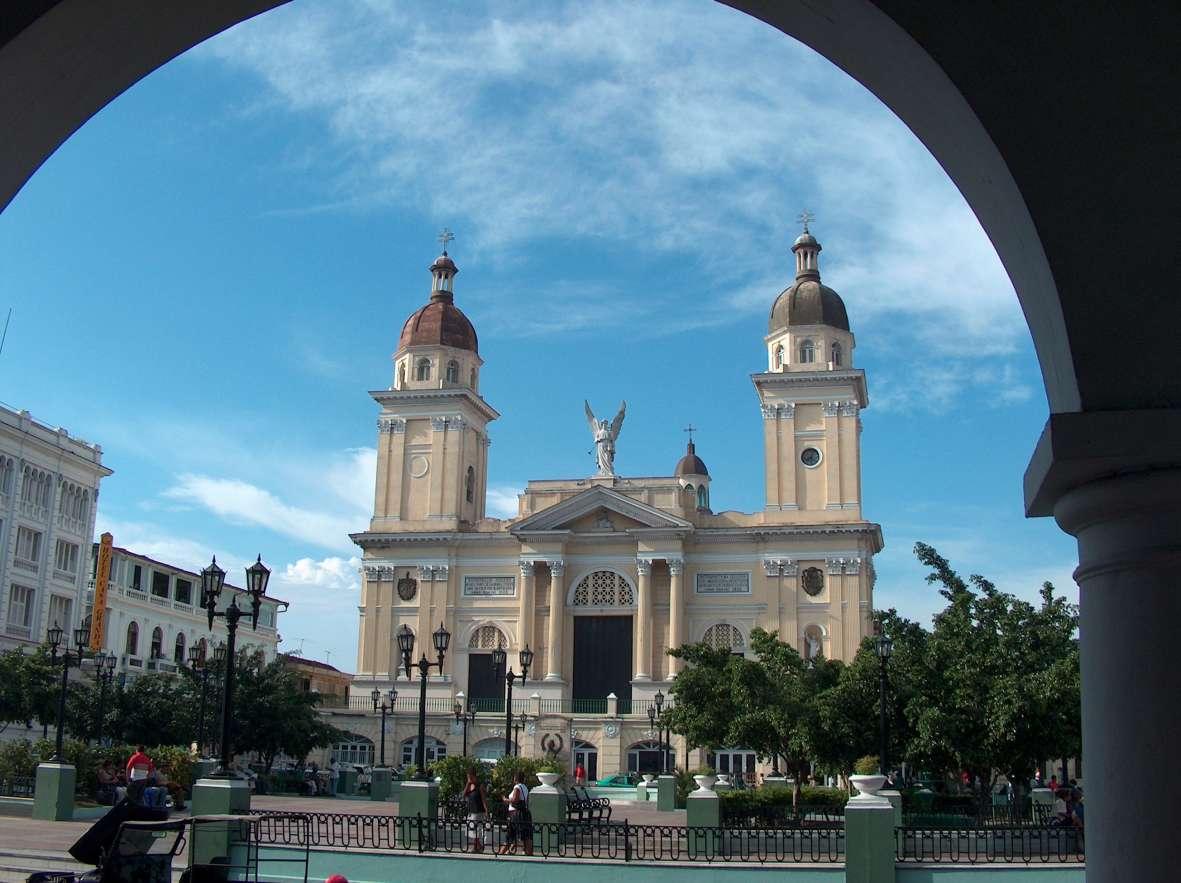 Сантьяго Де Куба 2019 Куба город фото скачать бесплатно онлайн