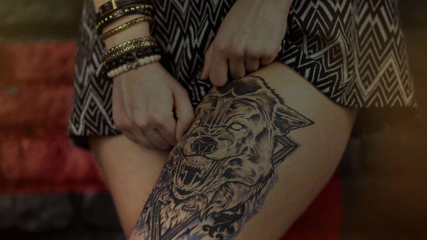 тату для мужчин женщин на бедре лиса волк дракон лев пионы розы узоры пистолет подвязка