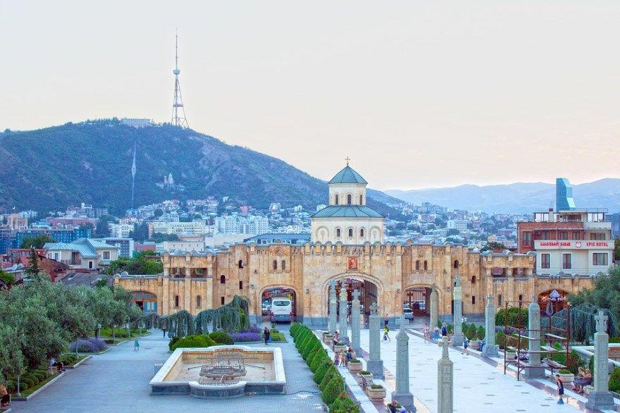 Смотреть фото города Тбилиси 2020. Скачать бесплатно лучшие фото города Тбилиси Грузия онлайн с нашего сайта.