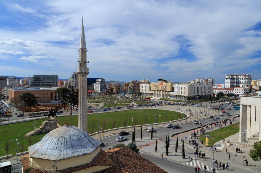 Тирана 2019 Албания город фото скачать бесплатно онлайн