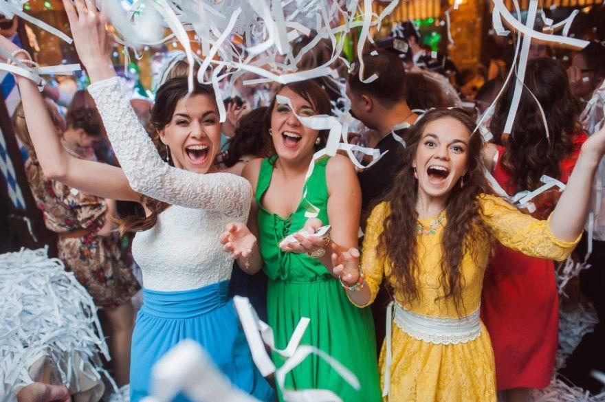 Выпускной 2020 самые красивые платья для выпускного бала 11 класса, 9 класса. Новинки выпускных платьев, фотографии выпускников. Бесплатно.