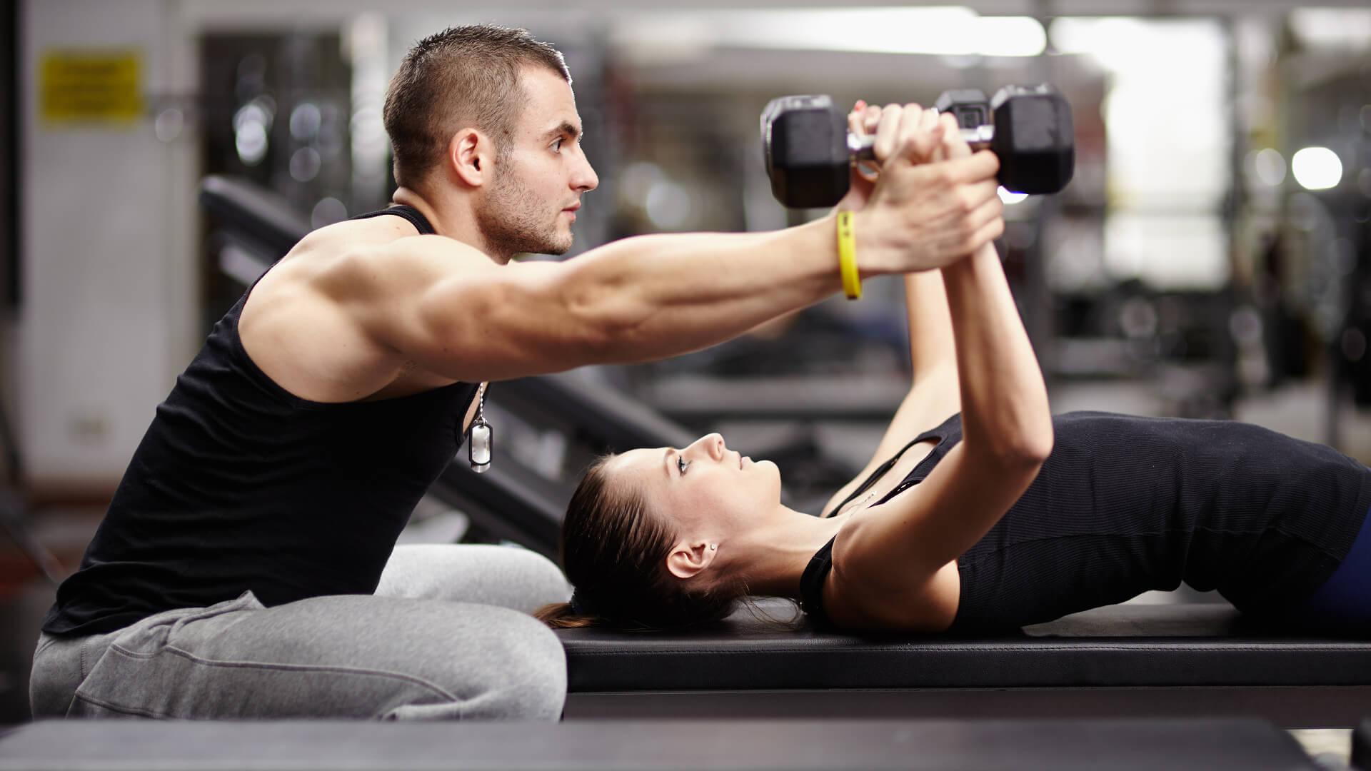 физические нагрузки здоровье активность обмен веществ спорт спортивный зал