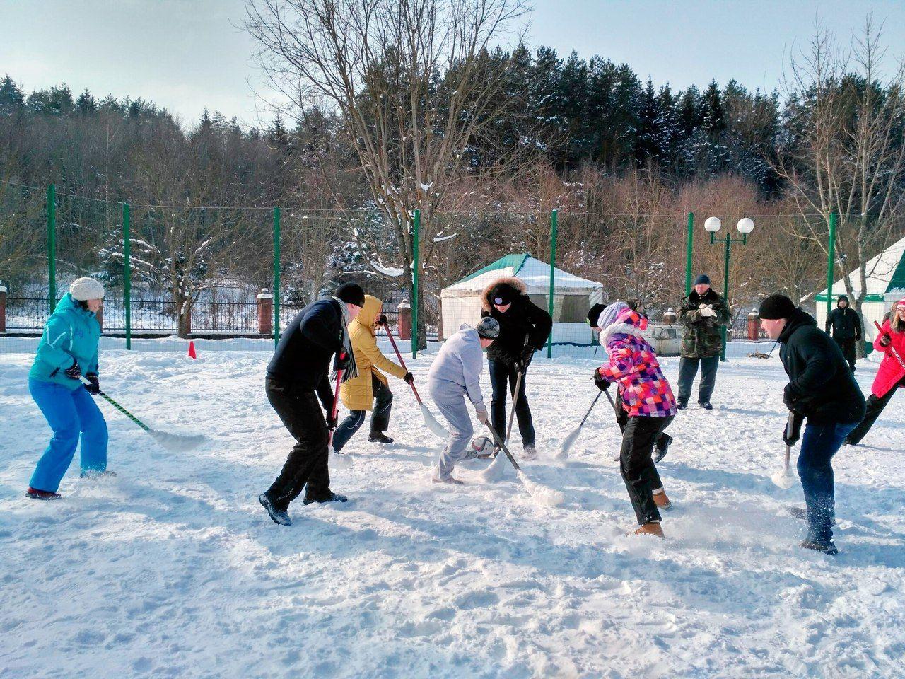 Зимний спортивный праздник фотографии на улице в саду